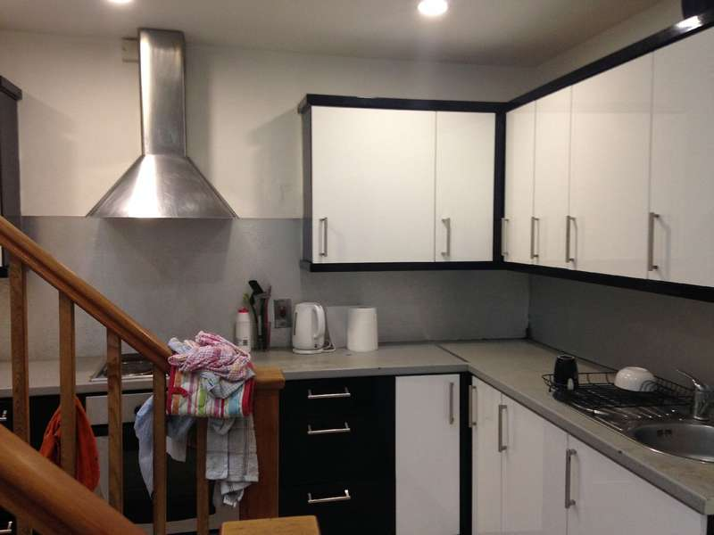 6 Bedrooms House Share For Rent In Harlaxton Drive Lenton Nottinghamshire Ng7 1jd