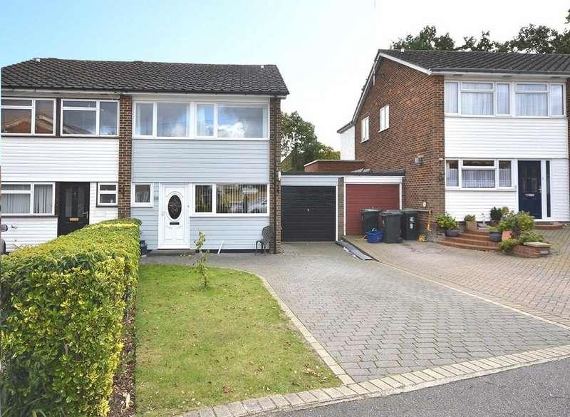 3 Bedrooms Semi Detached House for sale in Warren Field, Epping