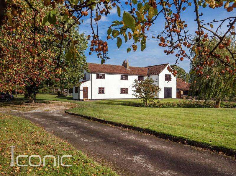 4 Bedrooms Detached House for sale in Hookwood Lane, Morley St. Peter, Wymondham, Norwich.