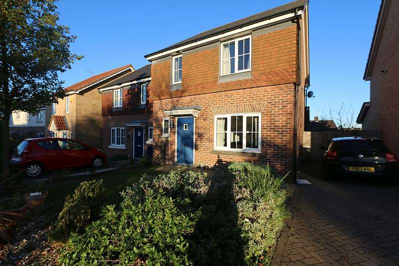 3 Bedrooms Detached House for sale in Trippear Way, Heywood, Greater Manchester, OL10 3FG