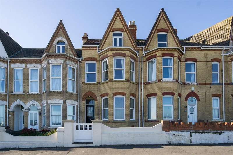 5 Bedrooms Terraced House for sale in The Promenade, WITHERNSEA, East Riding of Yorkshire