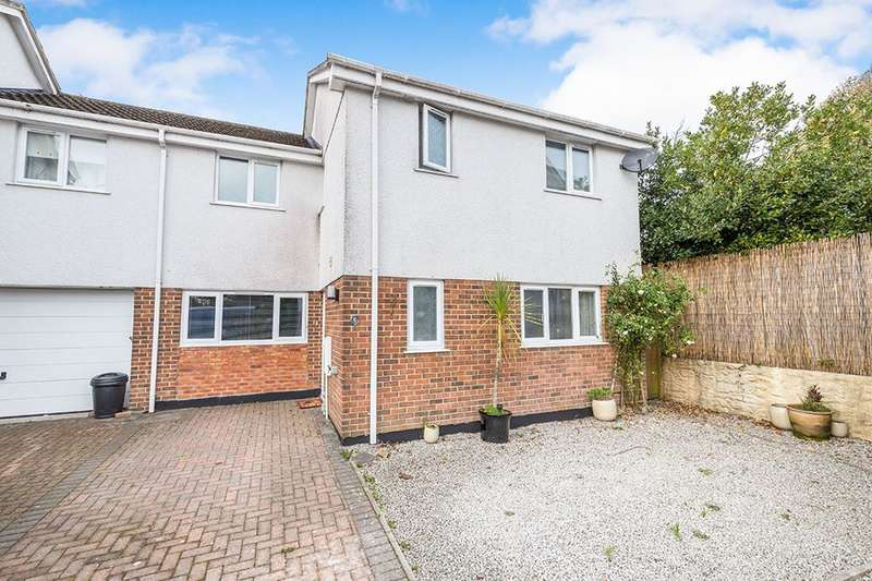 3 Bedrooms Semi Detached House for sale in Coppice Gardens, Lanner Moor, Redruth, TR16