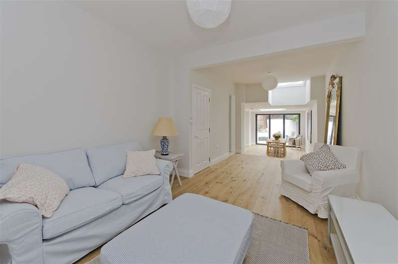 3 Bedrooms Cottage House for sale in Atwood Road, Brackenbury W6