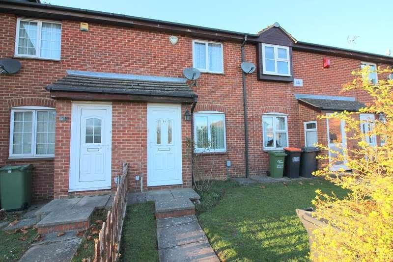 2 Bedrooms Terraced House for sale in Lowry Drive, Houghton Regis, Bedfordshire, LU5 5SJ