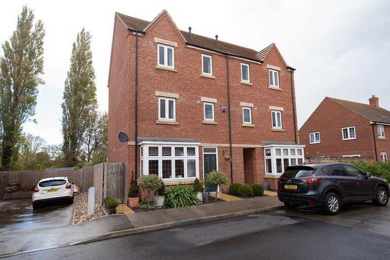 4 Bedrooms Town House for sale in Great Northern Gardens, Bourne, PE10