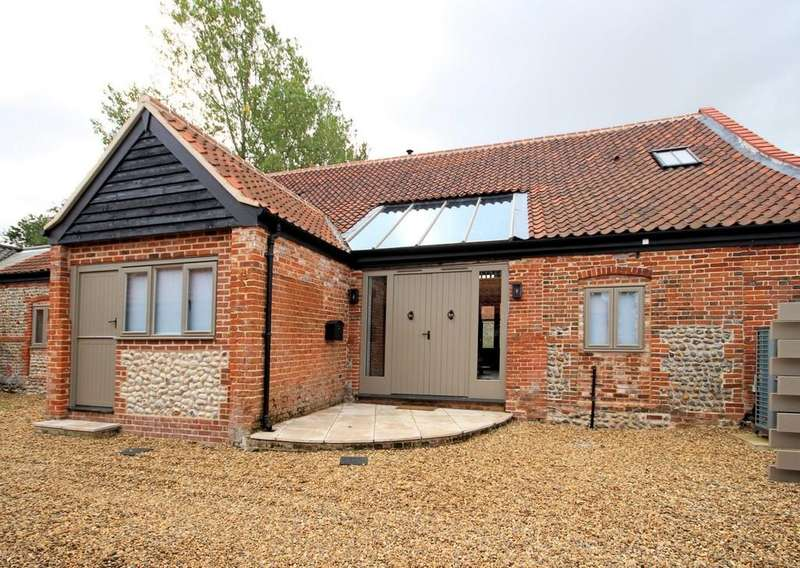 4 Bedrooms Barn Conversion Character Property for sale in Paston