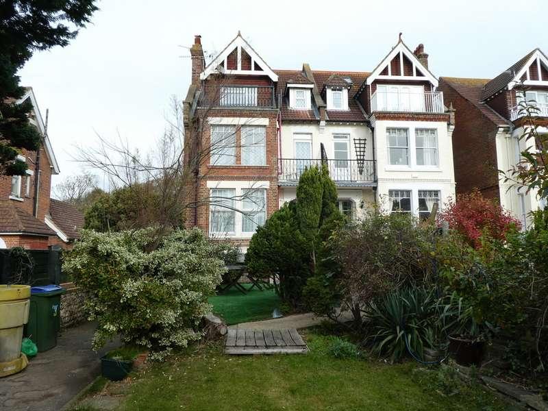 9 Bedrooms Semi Detached House for sale in Irvine Road, Littlehampton BN17
