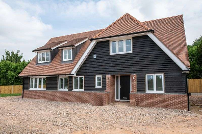 4 Bedrooms Property for sale in Ampfield Hill, Romsey
