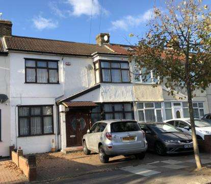 4 Bedrooms Terraced House for sale in Redbridge, Ilford