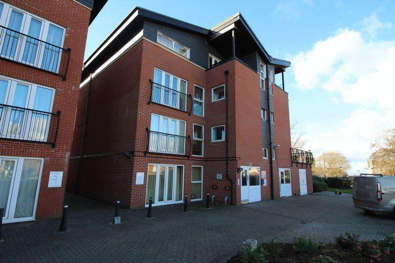 2 Bedrooms Apartment Flat for sale in Lodge Road, Kingswood, Bristol