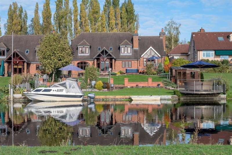 5 Bedrooms Detached House for sale in The Moorings, Sileby Road, Barrow upon Soar, Leicestershire