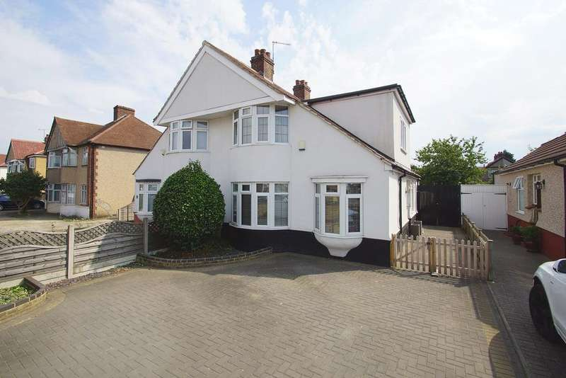 4 Bedrooms Semi Detached House for sale in Bellegrove Road, Welling, DA16