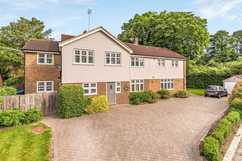 6 Bedrooms Detached House for sale in Ridge Green, South Nutfield, Redhill, Surrey, RH1
