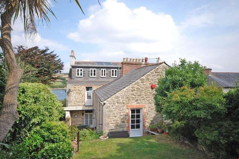 4 Bedrooms Semi Detached House for sale in Tehidy Terrace, Falmouth, South Cornwall, TR11