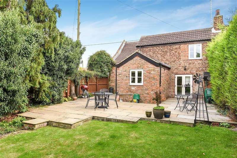 3 Bedrooms Semi Detached House for sale in Old Main Road, Fleet Hargate, PE12