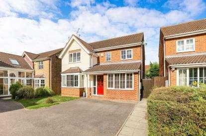 4 Bedrooms Detached House for sale in Webb Close, Letchworth Garden City, Hertfordshire, England