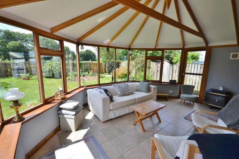 5 Bedrooms Detached House for sale in Llangain, Carmarthen