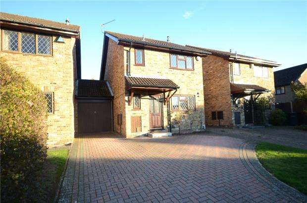 3 Bedrooms Link Detached House for sale in Knollmead, Calcot, Reading