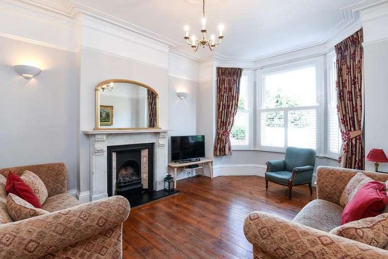 4 Bedrooms Semi Detached House for sale in Selsdon Road London SE27
