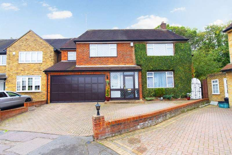 5 Bedrooms Detached House for sale in Bancroft Avenue, Buckhurst Hill, IG9