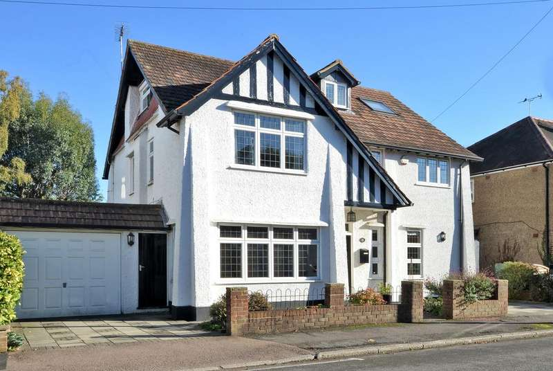 5 Bedrooms Detached House for sale in Weston Park, Thames Ditton, KT7