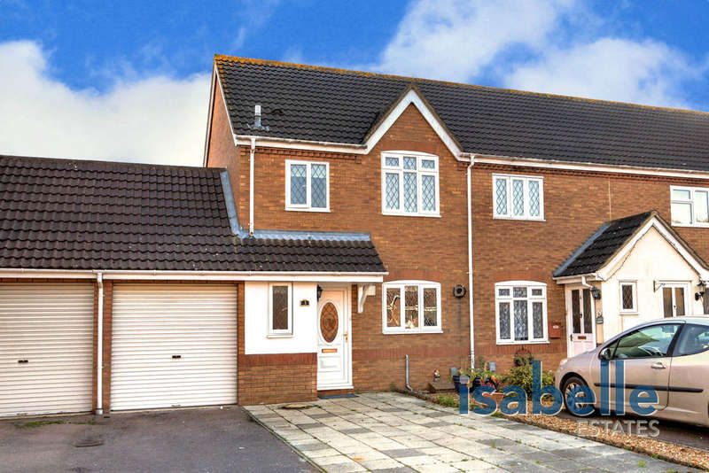 3 Bedrooms Semi Detached House for sale in Kayser Court, Biggleswade, SG18