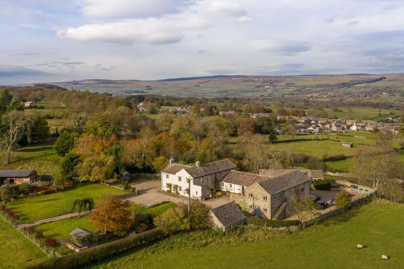 4 Bedrooms Farm House Character Property for sale in Capple Bank Farm , West Witton , Leyburn , North Yorkshire , DL8 4ND