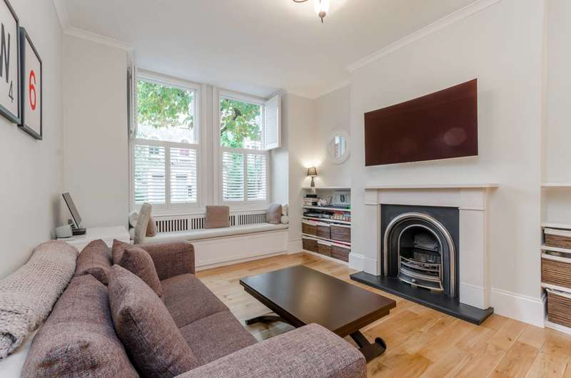 1 Bedroom Flat for sale in Barclay Road, Fulham, SW6