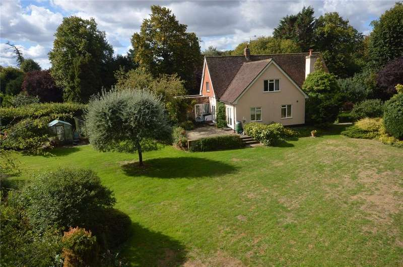 3 Bedrooms Detached House for sale in Palace Lodge, Much Hadham, Hertfordshire, SG10