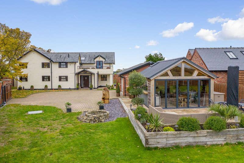 4 Bedrooms Detached House for sale in Walnut Tree Lane, Appleton Thorn, Warrington