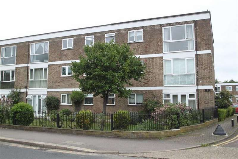 2 Bedrooms Flat for sale in Larkswood Court, Highams Park