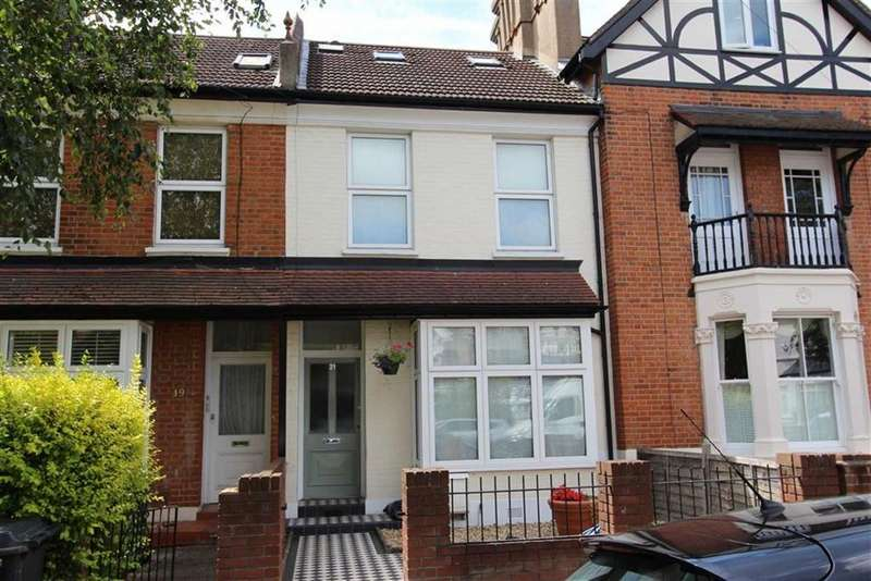 4 Bedrooms Terraced House for sale in Buxton Road, North Chingford, London