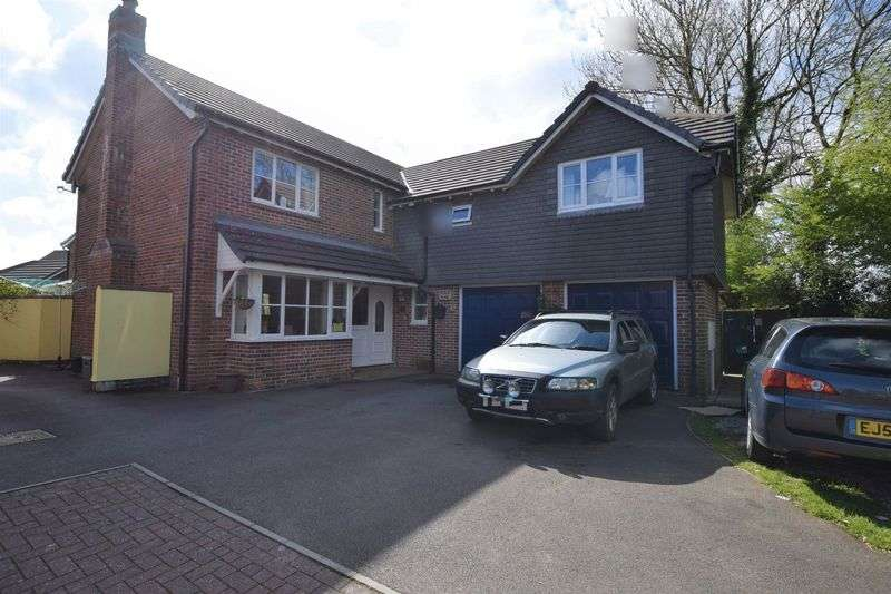 5 Bedrooms Property for sale in Chough Close, Launceston