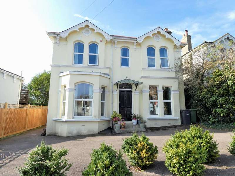 7 Bedrooms Detached House for sale in St. Helen's Park Road, Hastings TN34