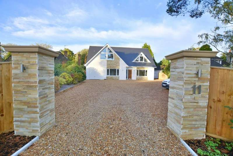 5 Bedrooms Detached House for sale in Wight Walk, West Parley