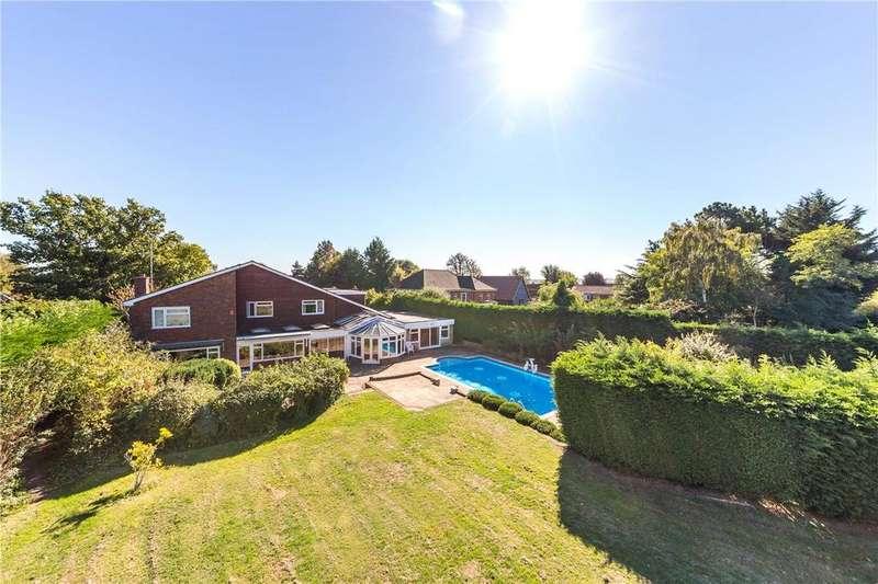 7 Bedrooms Detached House for sale in Deards End Lane, Knebworth, Hertfordshire
