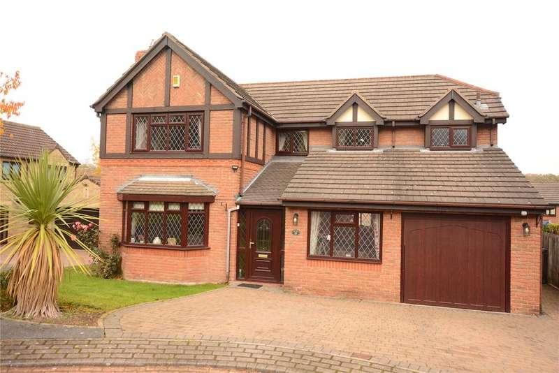 4 Bedrooms Detached House for sale in Wike Ridge Mount, Leeds