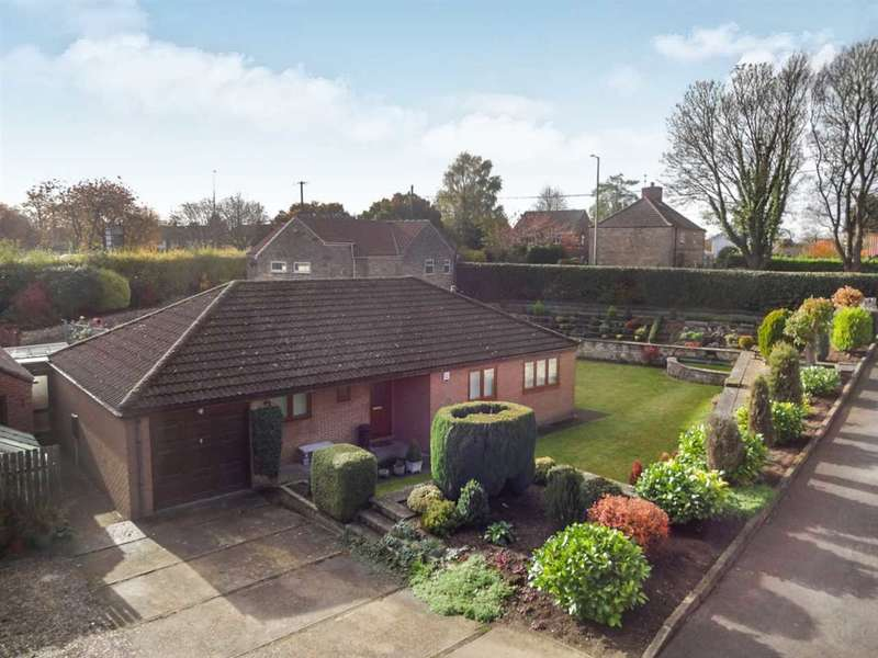 3 Bedrooms Bungalow for sale in Grantham Road, Waddington, Lincoln