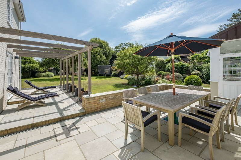 4 Bedrooms Detached House for sale in Brook, Isle Of Wight
