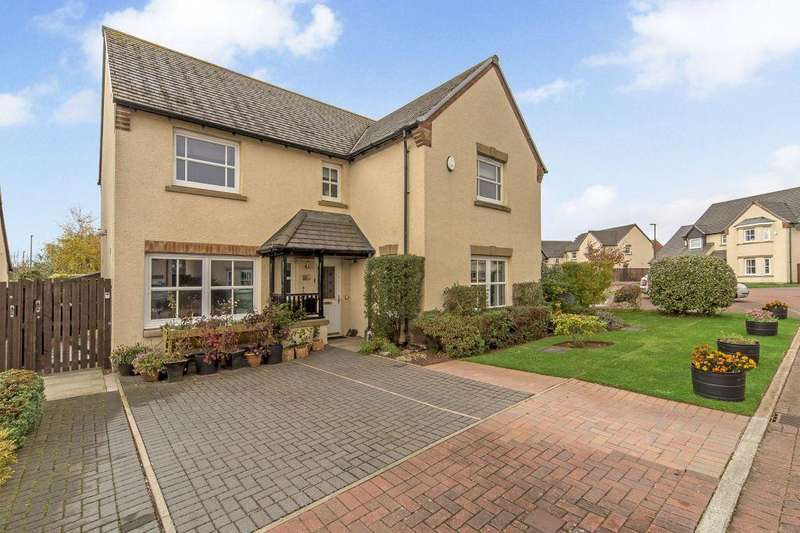5 Bedrooms Detached House for sale in 8 Lindsay Row, Rosewell, EH24 9EJ