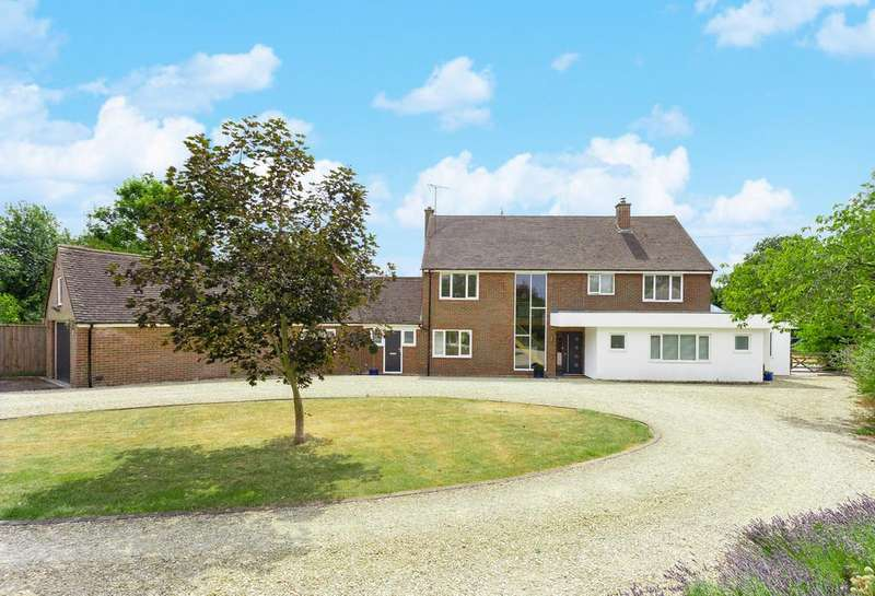 5 Bedrooms Detached House for sale in Churchway, Stone