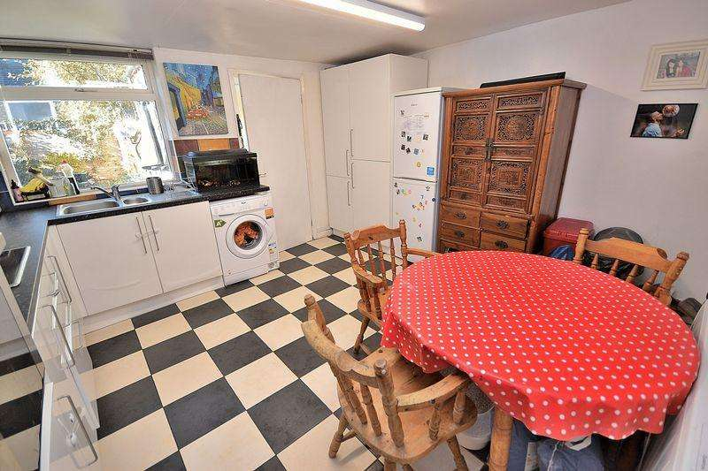 2 Bedrooms End Of Terrace House for sale in Lammas Walk, Leighton Buzzard