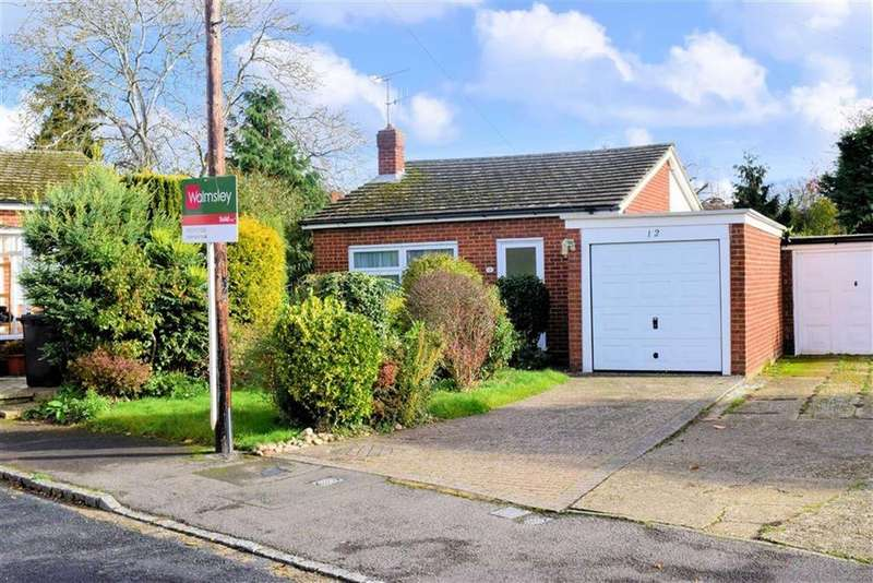 2 Bedrooms Bungalow for sale in Gurney Drive, Caversham Heights, Reading