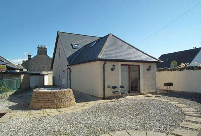 3 Bedrooms Detached House for sale in Sairawell Cottage, Blinkbonnie Lane, Duns TD11 3AX
