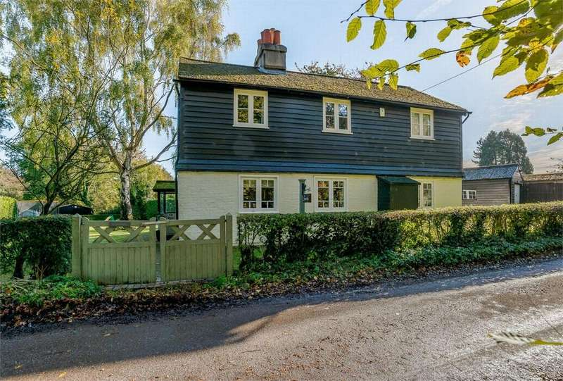 4 Bedrooms Detached House for sale in Priestwood Road, Meopham, Kent
