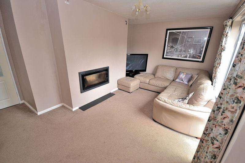 3 Bedrooms Semi Detached House for sale in Dove Street, Stewkley