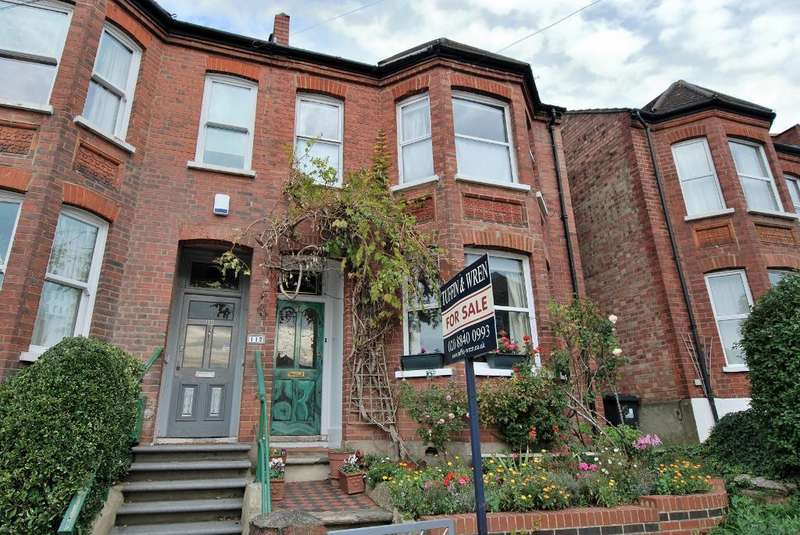 4 Bedrooms Semi Detached House for sale in Grove Avenue, Hanwell, London, W7 3ES