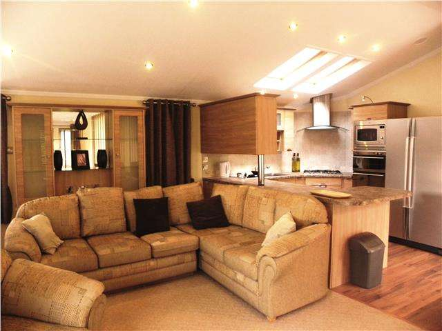 2 Bedrooms Lodge Character Property for sale in Lower Hyde Holiday Park, Shanklin, Isle of Wight