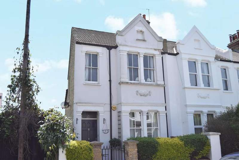 2 Bedrooms Flat for sale in Effra Road, Wimbledon