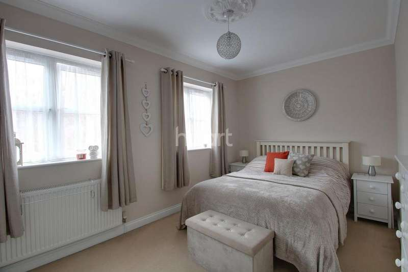 3 Bedrooms Semi Detached House for sale in Wharf Street, Sutton Bridge